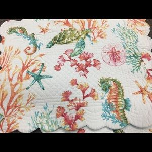 Set of 4 Reversible Quilted Placemats